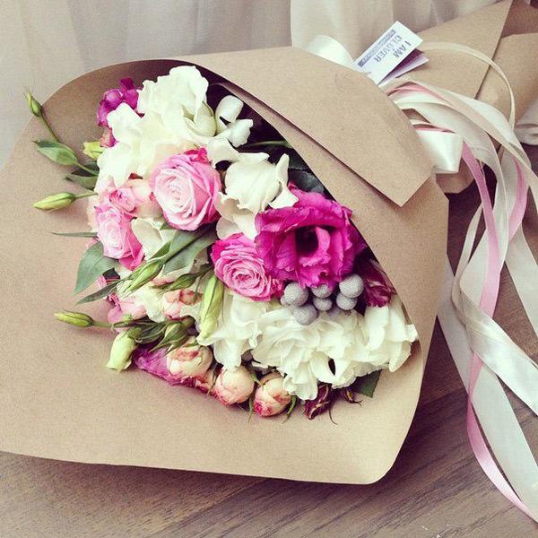 Не успеваете лично поздравить именинника – закажите адресную доставку цветов от салона «Парижанка».