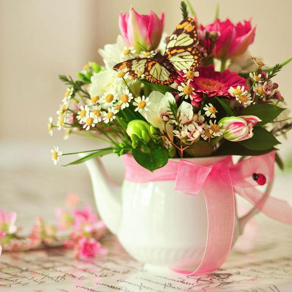 Воспользуйтесь услугой заказа цветов с доставкой от флористического салона «Парижанка» в Казани – это удобно, быстро и недорого.